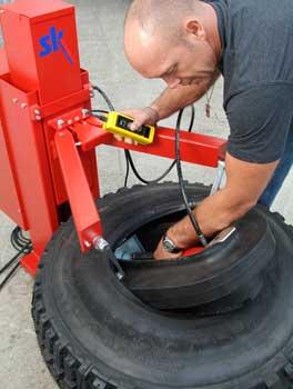 run flat tire machine